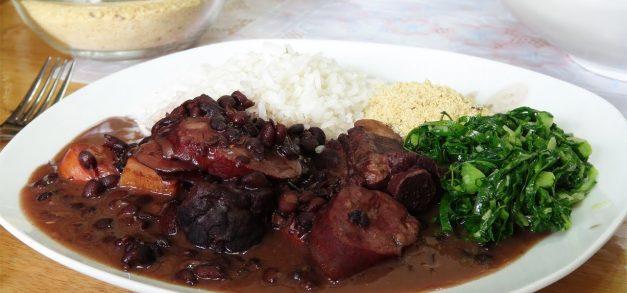 Almoço de sábado: feijoada em Fortaleza